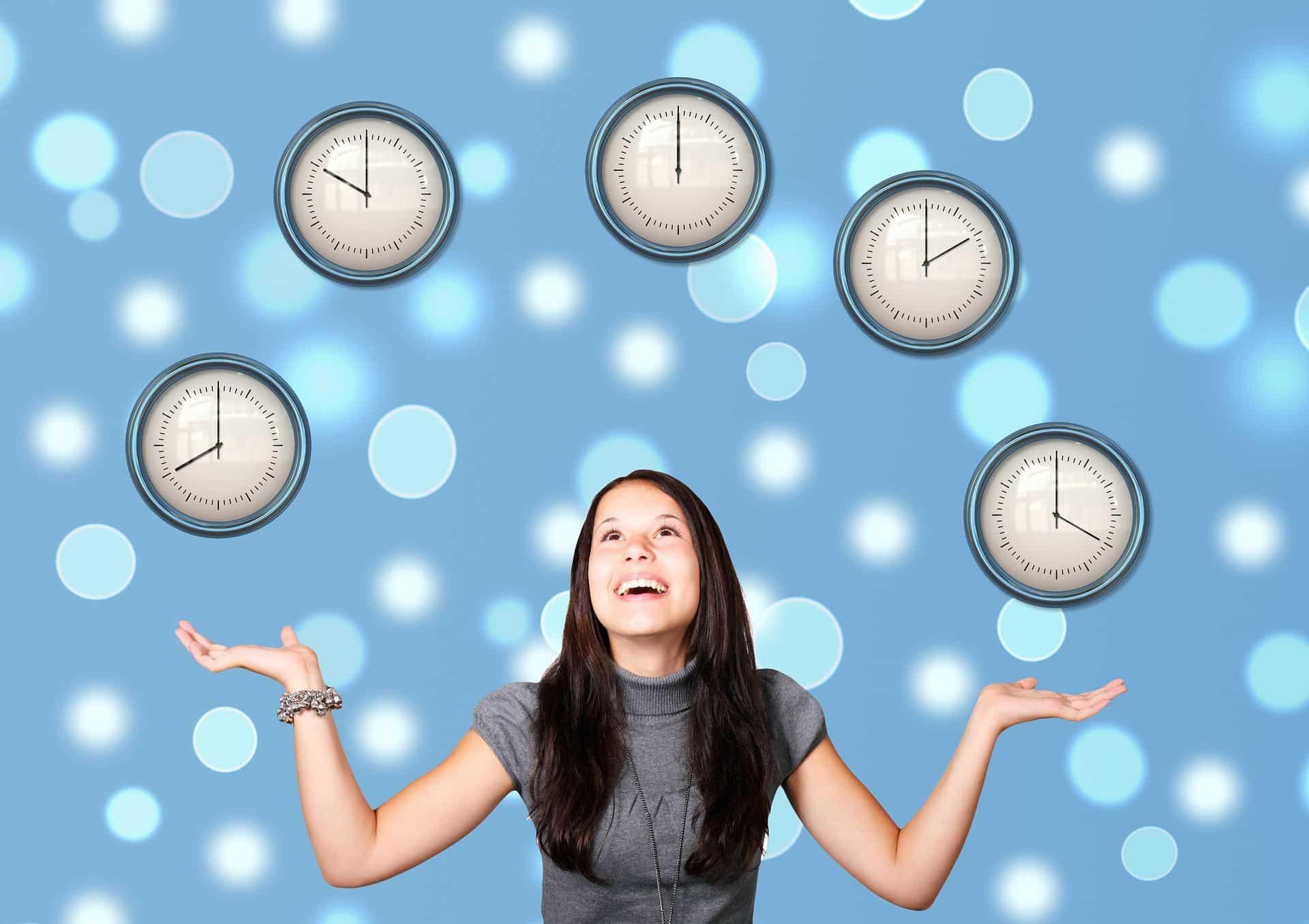 mujer controlando su tiempo