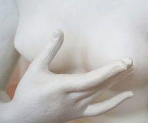 Farma Dorsch hace campaña contra el cáncer de mama con un Reafirmante de Senos tan efectivo como coherente